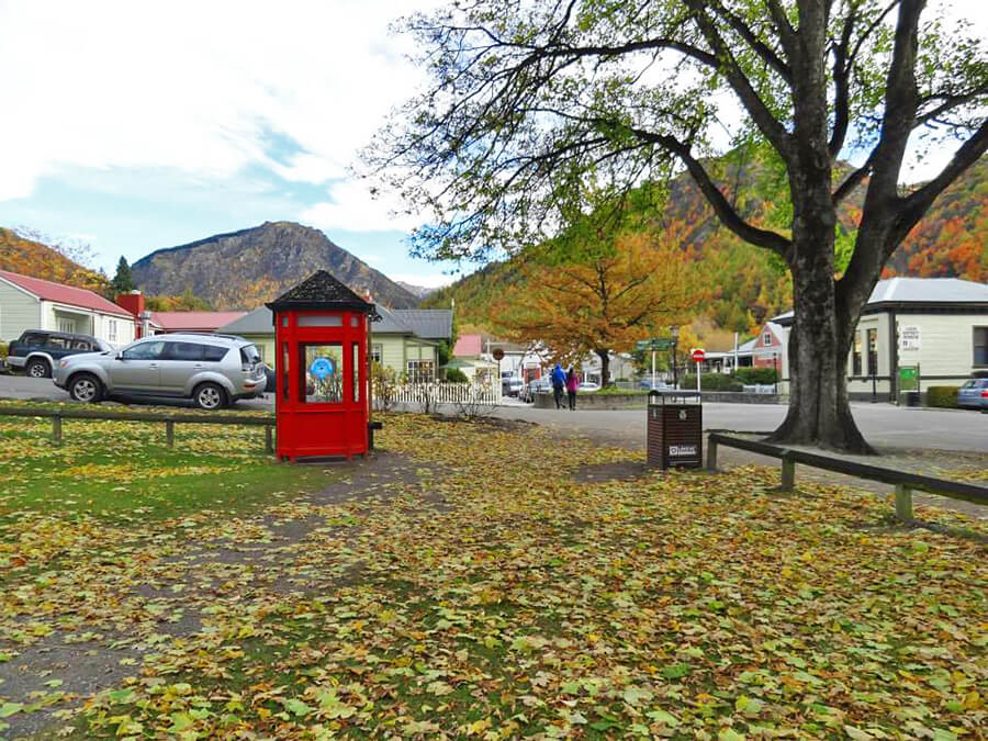 strolling around the residential area of Arrowtown